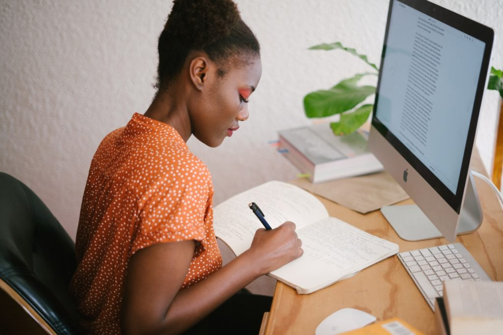 woman-in-front-of-her-computer